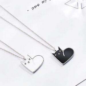 Collana d'argento con gattino a forma di cuore