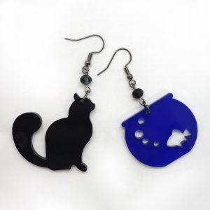 Orecchini in plexiglass a forma di gatto e boccia con dentro un pesciolino