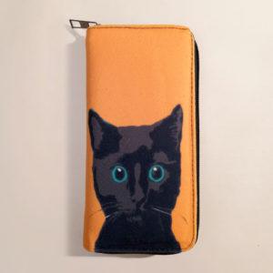 Portafoglio arancione con gatto nero, fronte