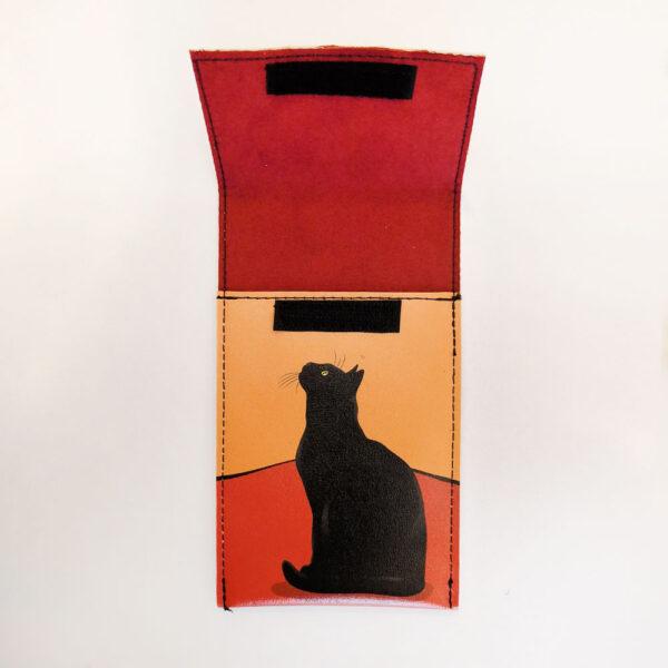Portaocchiali ecopelle con gatti Le Chat con gatto nero aperto