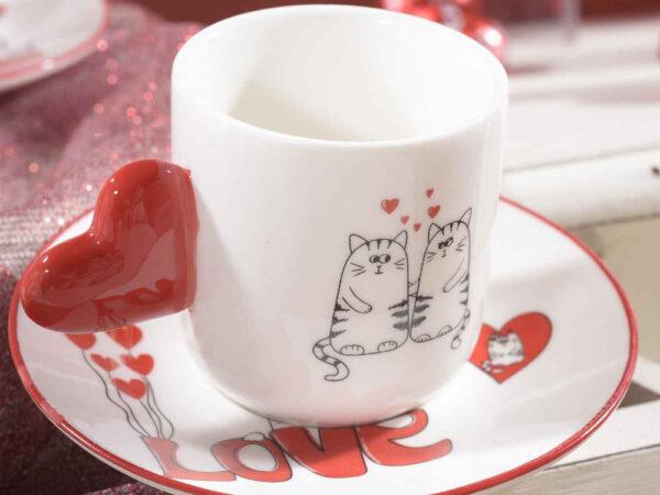 Set tazzine e piattini con gatti innamorati dettaglio